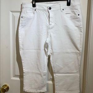 Lane Bryant Denim Capris in White - Size 16